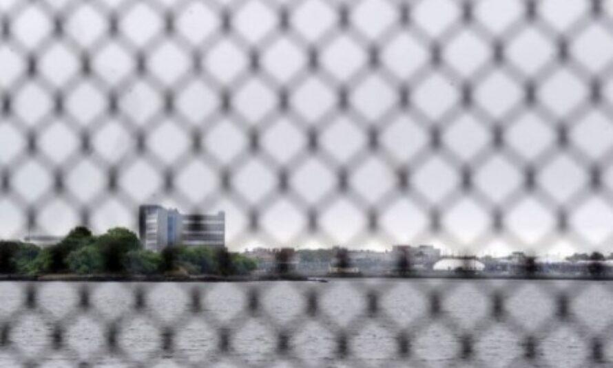 DSK: cellule de 13 m2 et surveillance permanente