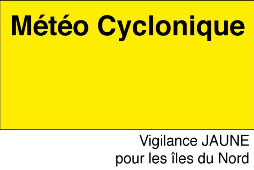 SXMCYCLONE : Martinique en vigilance Cyclonique ORANGE, Guadeloupe ORANGE et iles du Nord en JAUNE