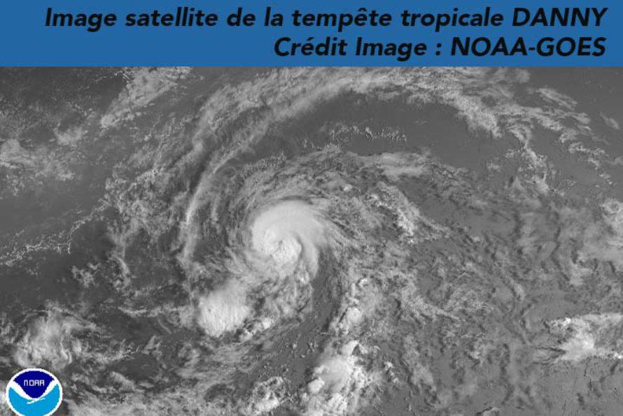 En approche de l'arc Antillais, la tempête tropicale DANNY continue de s'organiser (MAJ)