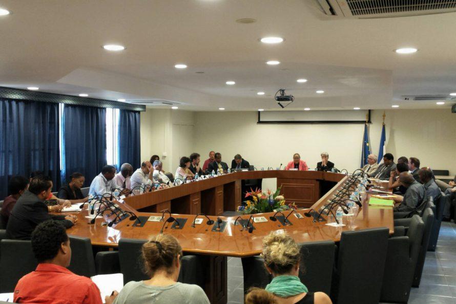 Signature du contrat de ville 2015-2020 ce matin à la collectivité