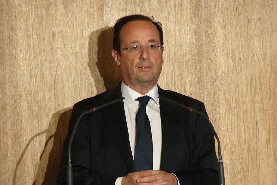 François Hollande continue sa dégringolade dans les sondages