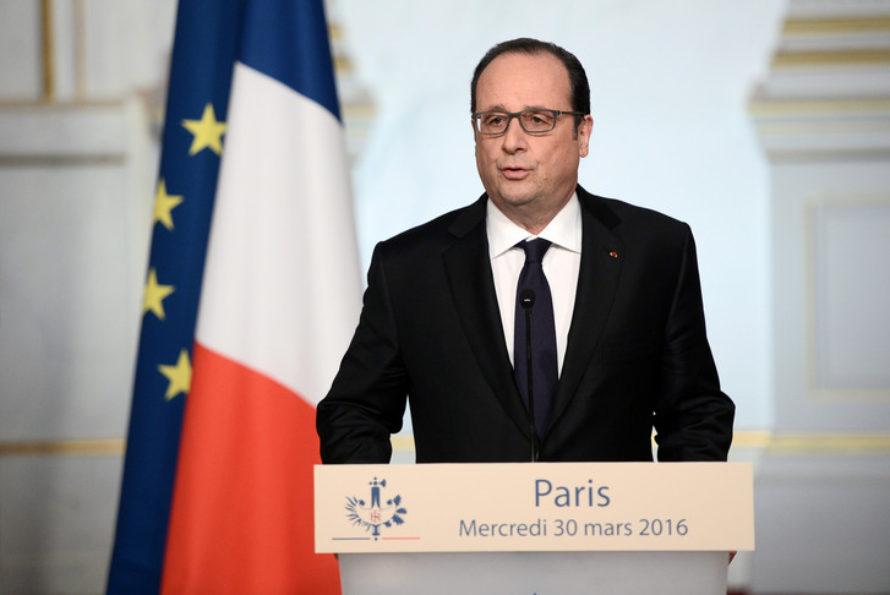 Déchéance de nationalité : François Hollande renonce et accuse