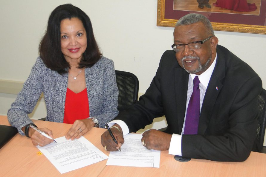 Sint Maarten police report : Surveillance camera project signed