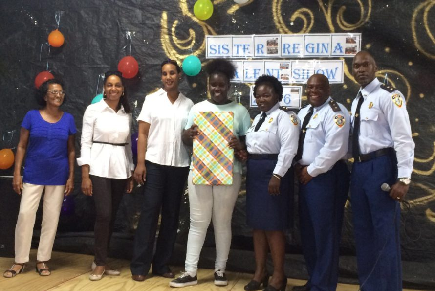 SInt Maarten : CPO's honor most improved students