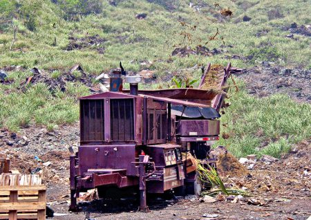 Première broyeuse de déchets verts installée à Grandes Cayes en 2006.