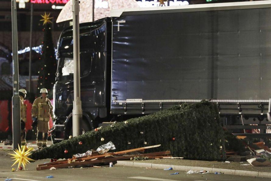 Un camion fonce sur la foule à Berlin : au moins 9 morts et 50 blessés