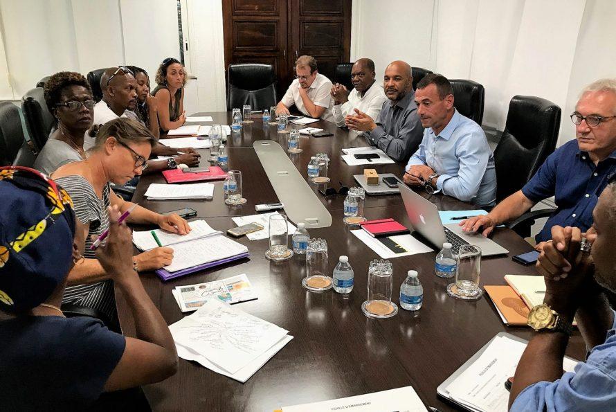 Collectivité de Saint-Martin : Rencontre avec le collectif PEP des parents sur le thème de la reconstruction des écoles.