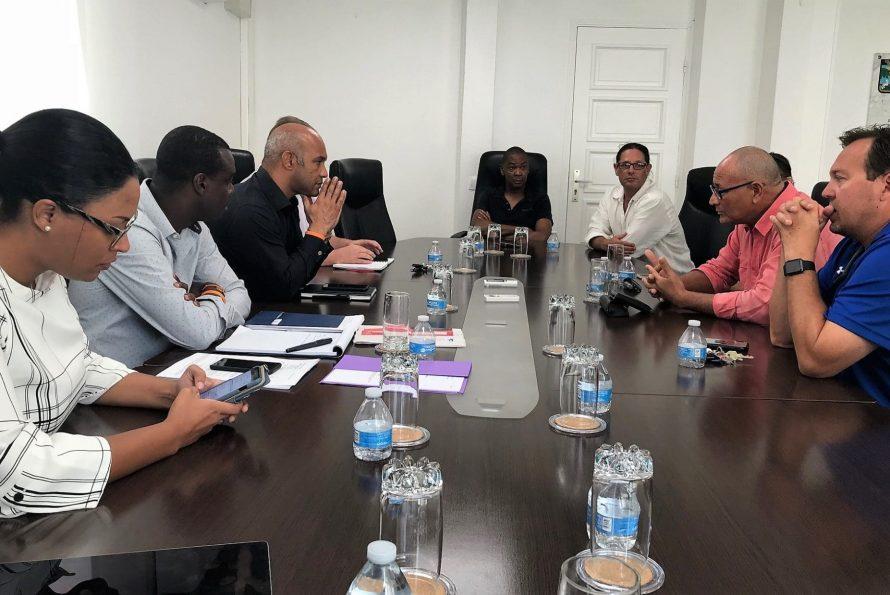 Saint-Martin : Le président a reçu en collectivité les commerçants de l'Auberge de mer