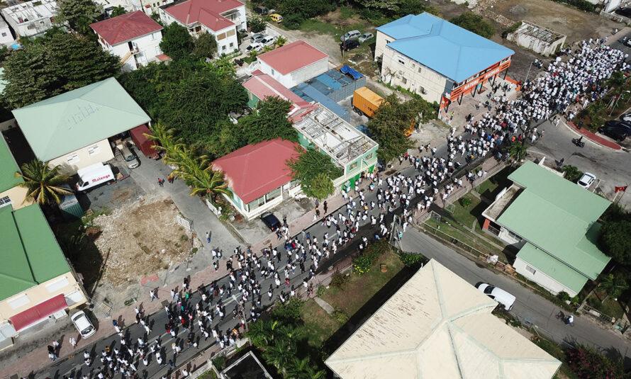 Saint-Martin : Du monde, beaucoup de monde pour ce rassemblement pacifique