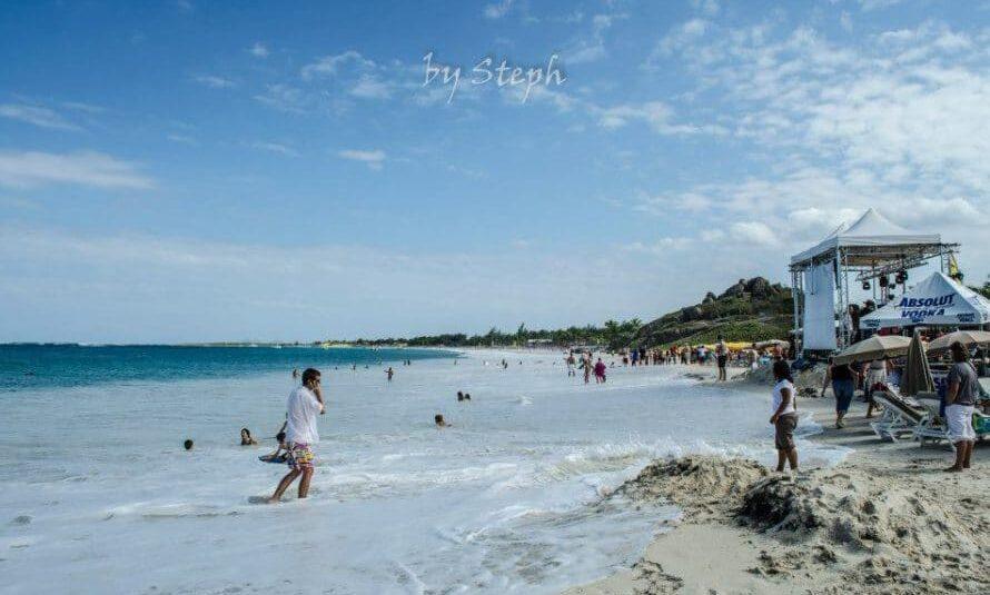 Saint-Martin : Probablement une attaque de requin à la Baie Orientale (MAJ, Baignade interdite)